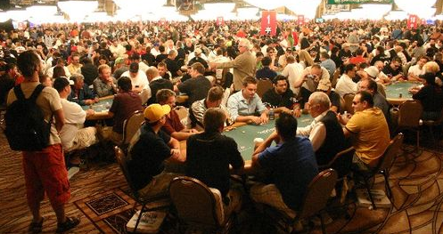 Packed Amazon Room at the WSOP
