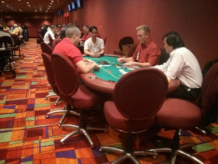 Matt Glantz playing poker