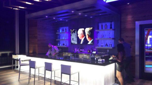 PokerGO studio bar
