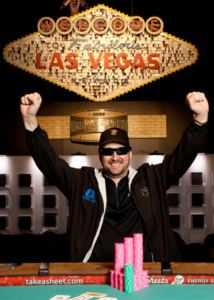 Phil Hellmuth wins #12