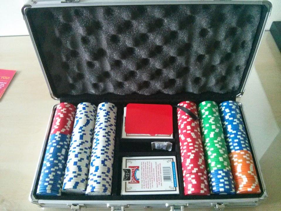 300-chip poker set