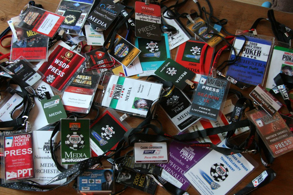 poker media badges