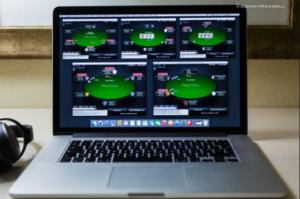 online poker laptop