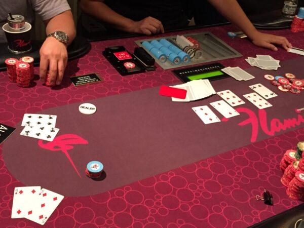 Flamingo poker table
